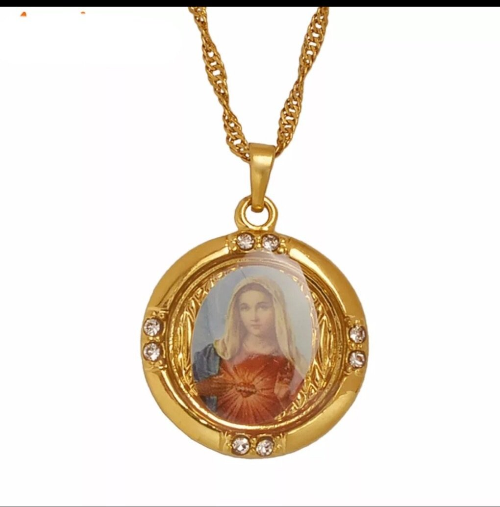 Mary Pendant Necklace
