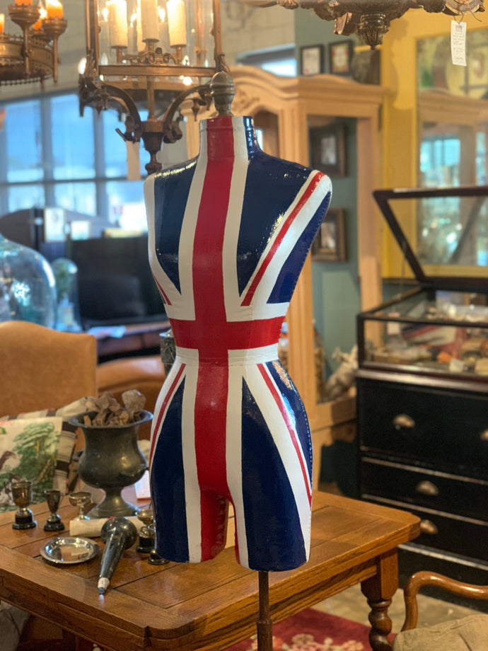 How To: Paint a Union Jack Flag on a Mannequin