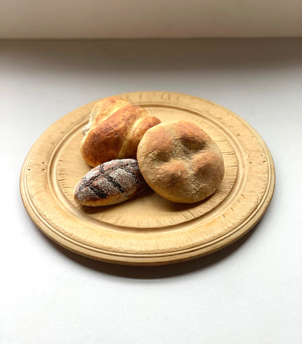 European Bread Board with 2 Small Flowers