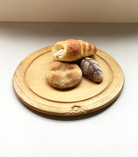 European Bread Board with Wheat and Flower