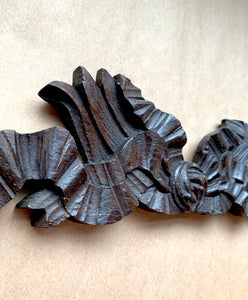 Close up of carving of Carved Oak Cornice Ribbon