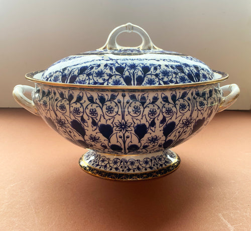 Blue and White Derby Lily Soup Tureen with Lid