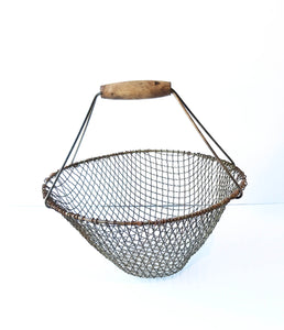 Empty Round Metal Wire Basket with Wood Handle
