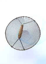 Top of Round Metal Wire Basket with Wood Handle