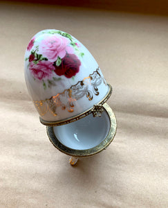 Close up of Clasp and Interior on Porcelain Egg with Roses and Gold Painted Surround