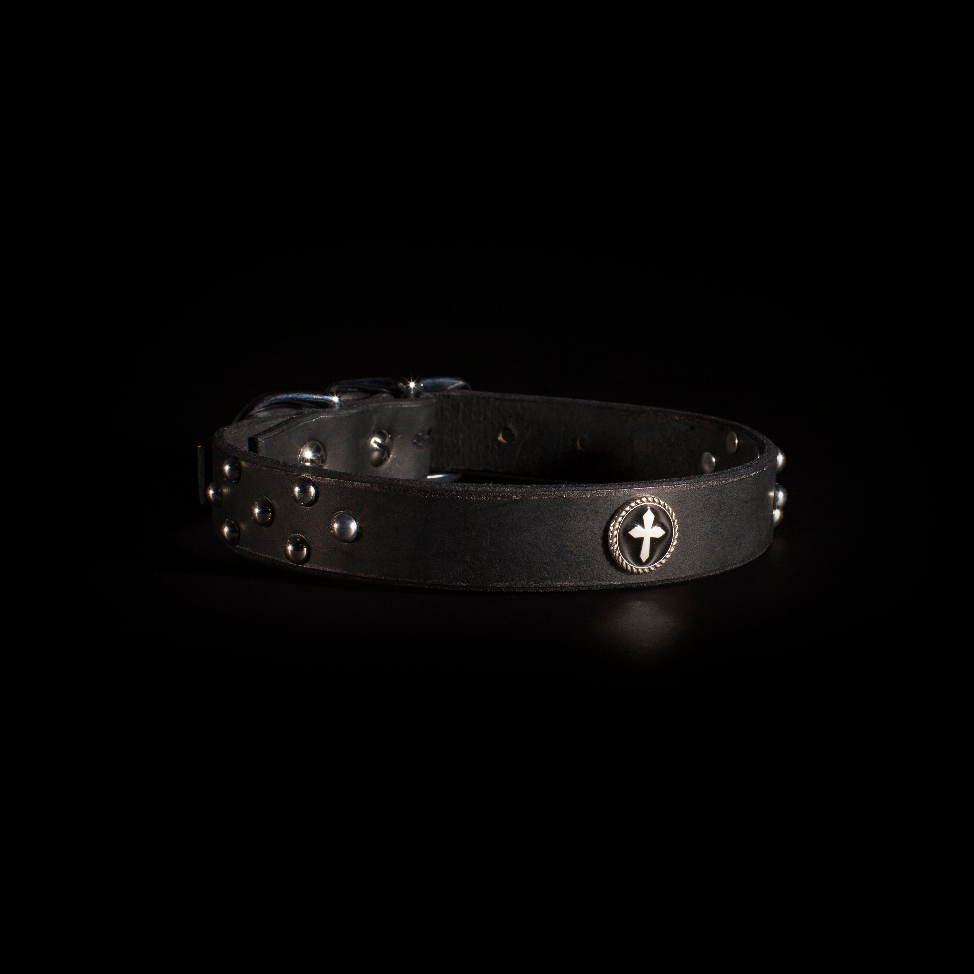 "IOMMI Dome/Cross Collar  1"" - Black"