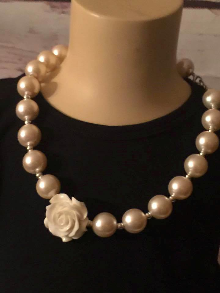 chunky pearl necklace with white rose