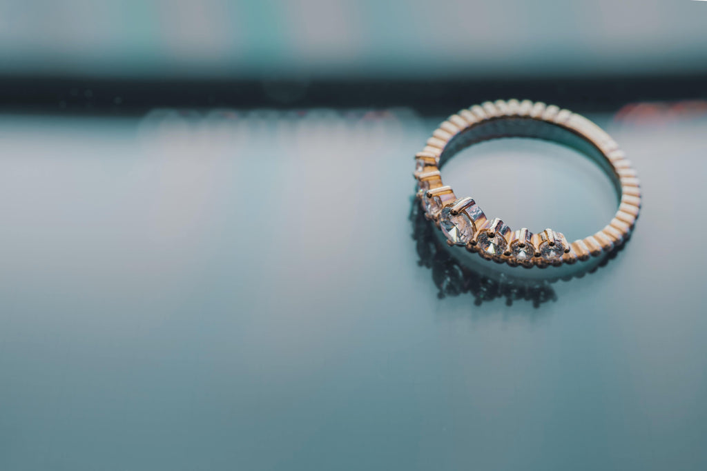 How to Select an Ultrasonic Jewelry Cleaner – Sonic Soak