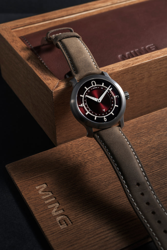2018 MING 17.03 GMT - Burgundy dial, with Straps