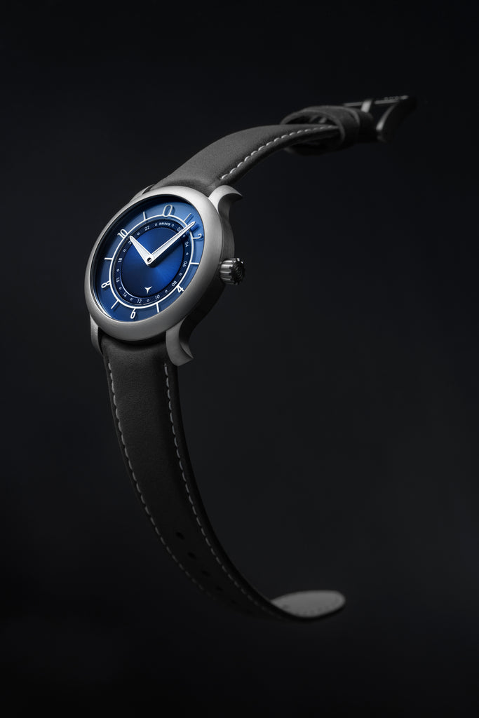 MING 17.03 GMT - Blue dial, with Straps