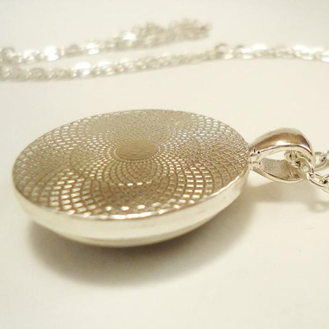 Picture of the power of three necklace backside.