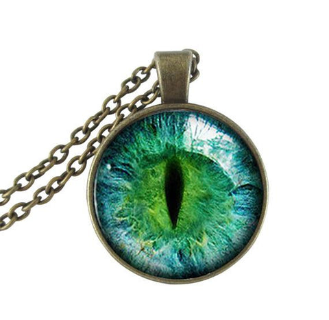 Green cat's eye necklace.