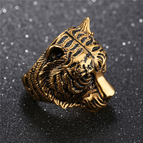 Picture of gold tiger ring.