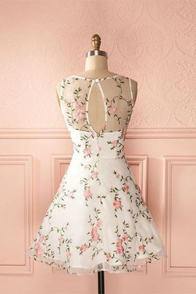 Round Neck Junior A-line Flower Short Homecoming Dresses With Appliques at promnova.com