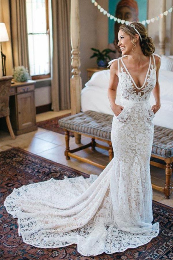 White Mermaid V-Neck Backless Lace Wedding Dress With Court Train PW200