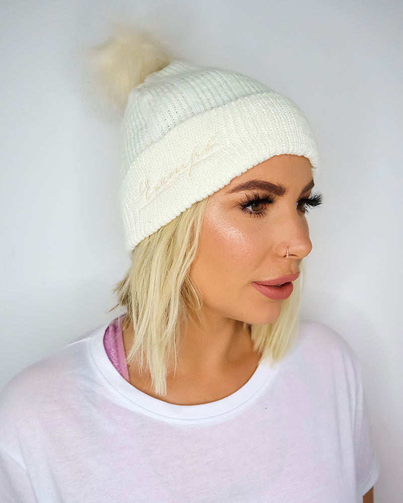 KNITTED FAUX FUR BOBBLE HAT - CREAM