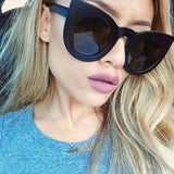 Solid Cat Eye sunglasses