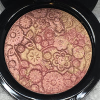 By The Candlelight Highlighter Pressed Eye & Face Highlighter