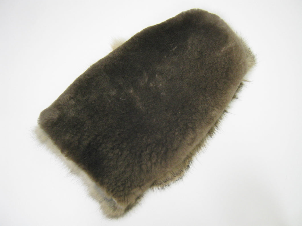 Large Sheared Beaver & Rabbit Fur Massage Mitt (695-10-G2549)