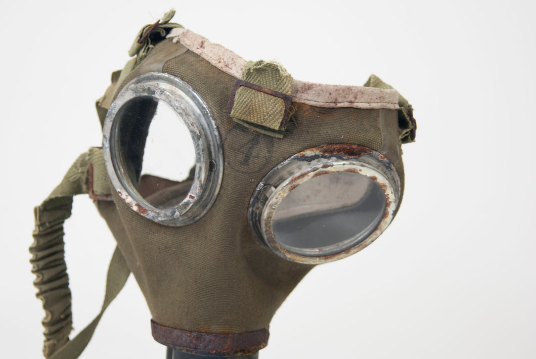 Gas Mask with a Bag (1186-10-G1297)