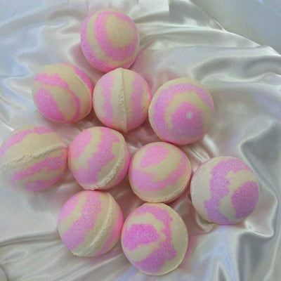 Strawberry and Cream Bath Bomb