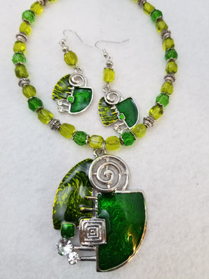 Artsy Green Necklace with Earrings