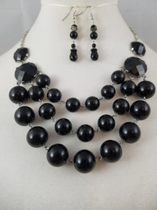 Black Bubbles Necklace with Earrings