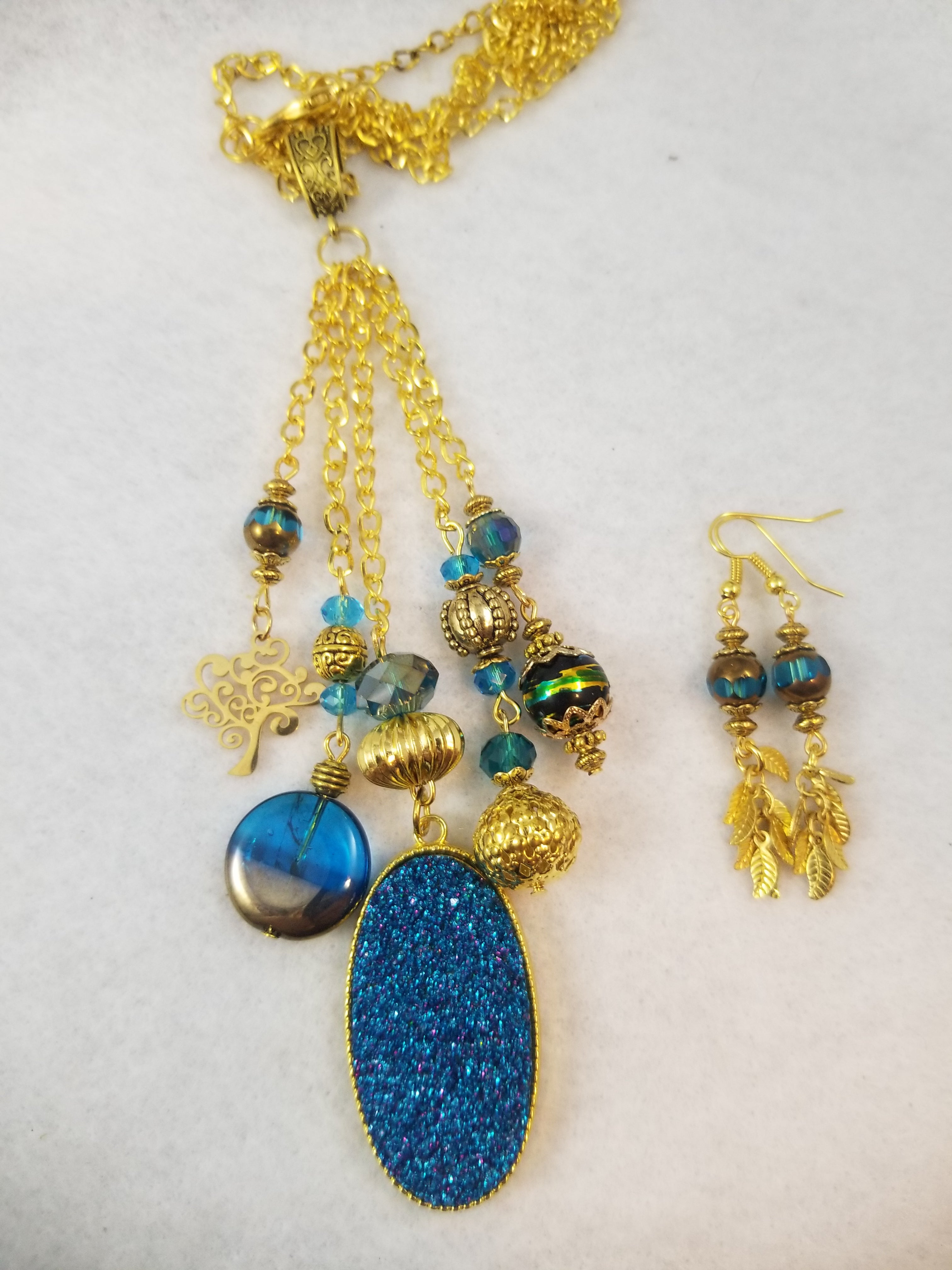 Blue Sparkle Necklace with Earrings