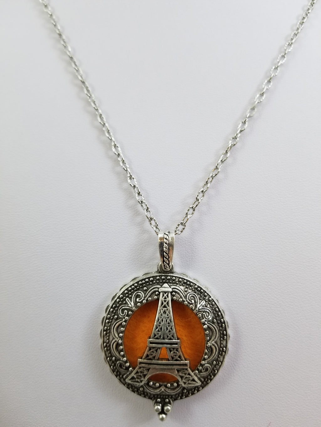 Eiffle Tower Diffuser Locket