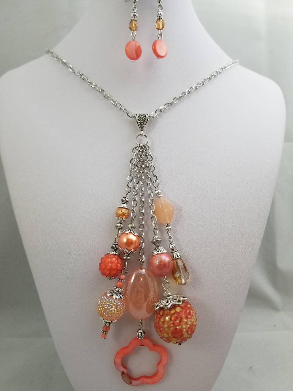 Fuzzy Navel Necklace with Earrings