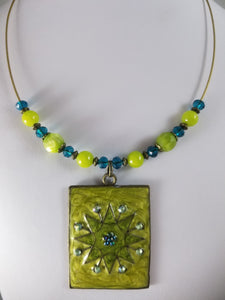 Grassy Star Necklace