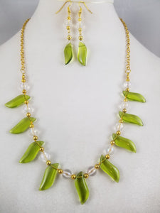 Green Glass Necklace with Earrings
