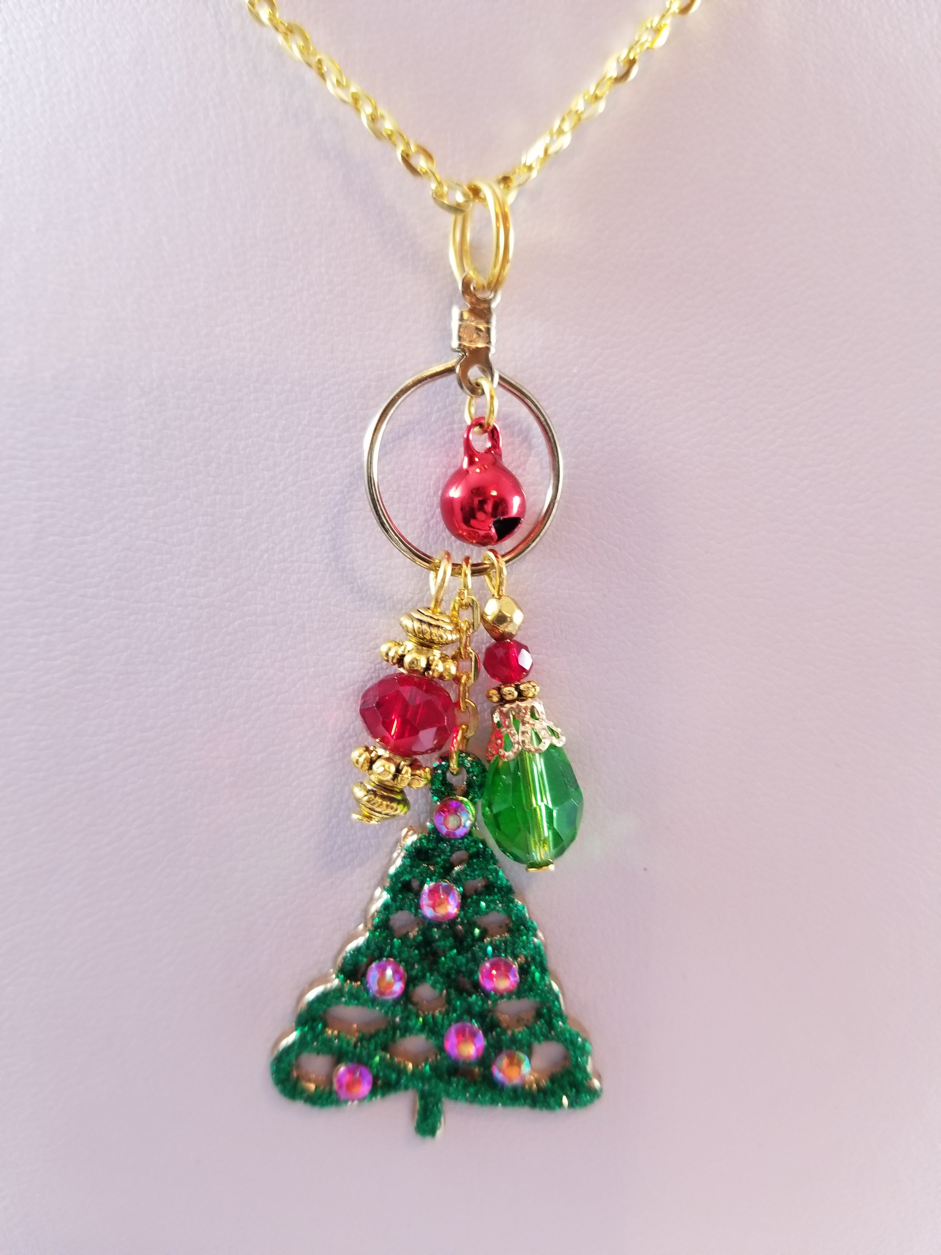 Green Tree Simply Chaming Christmas Necklace