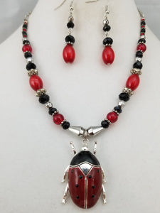 Lively Lady Necklace with Earrings