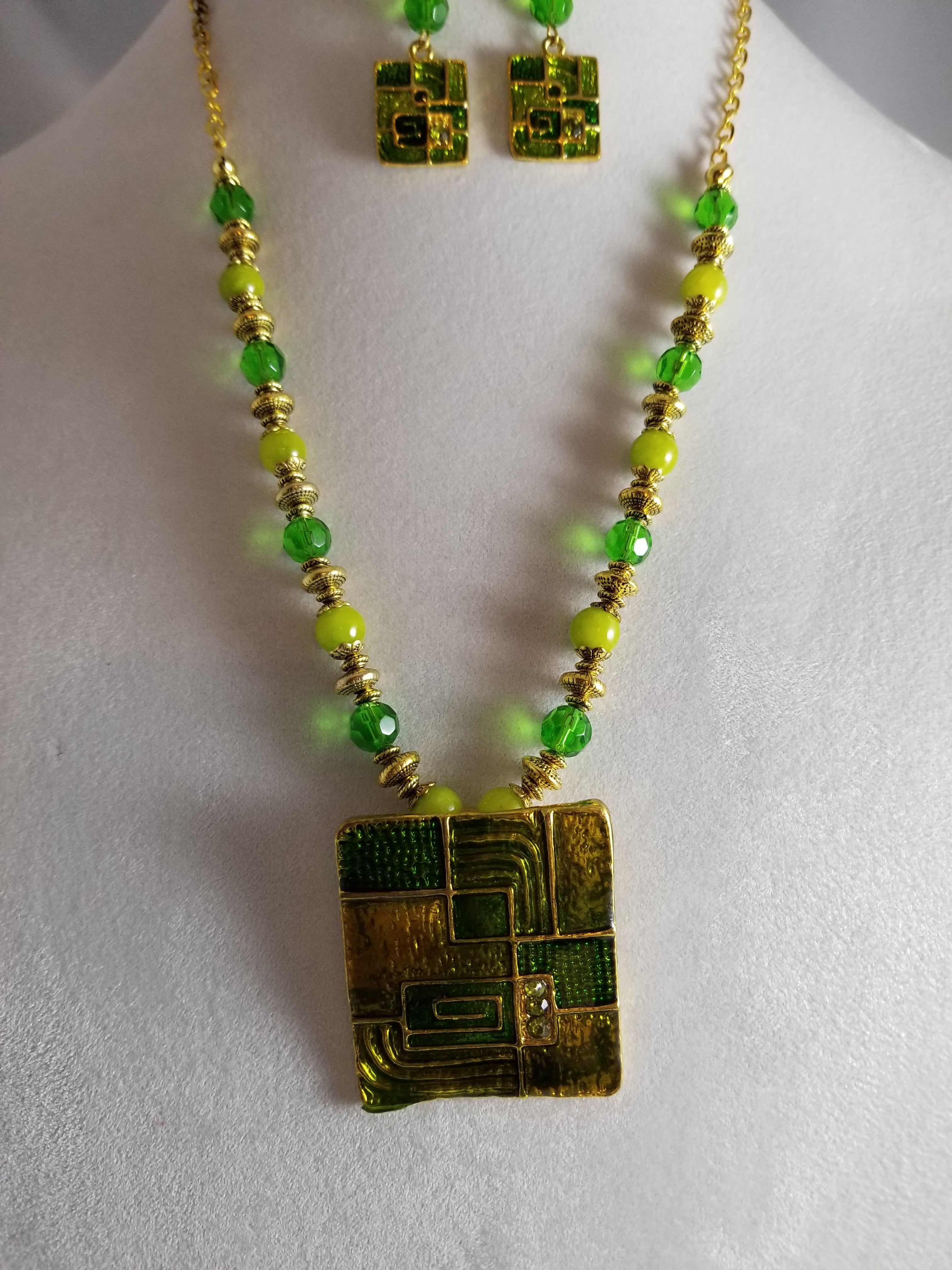Margarita Necklace with Earrings