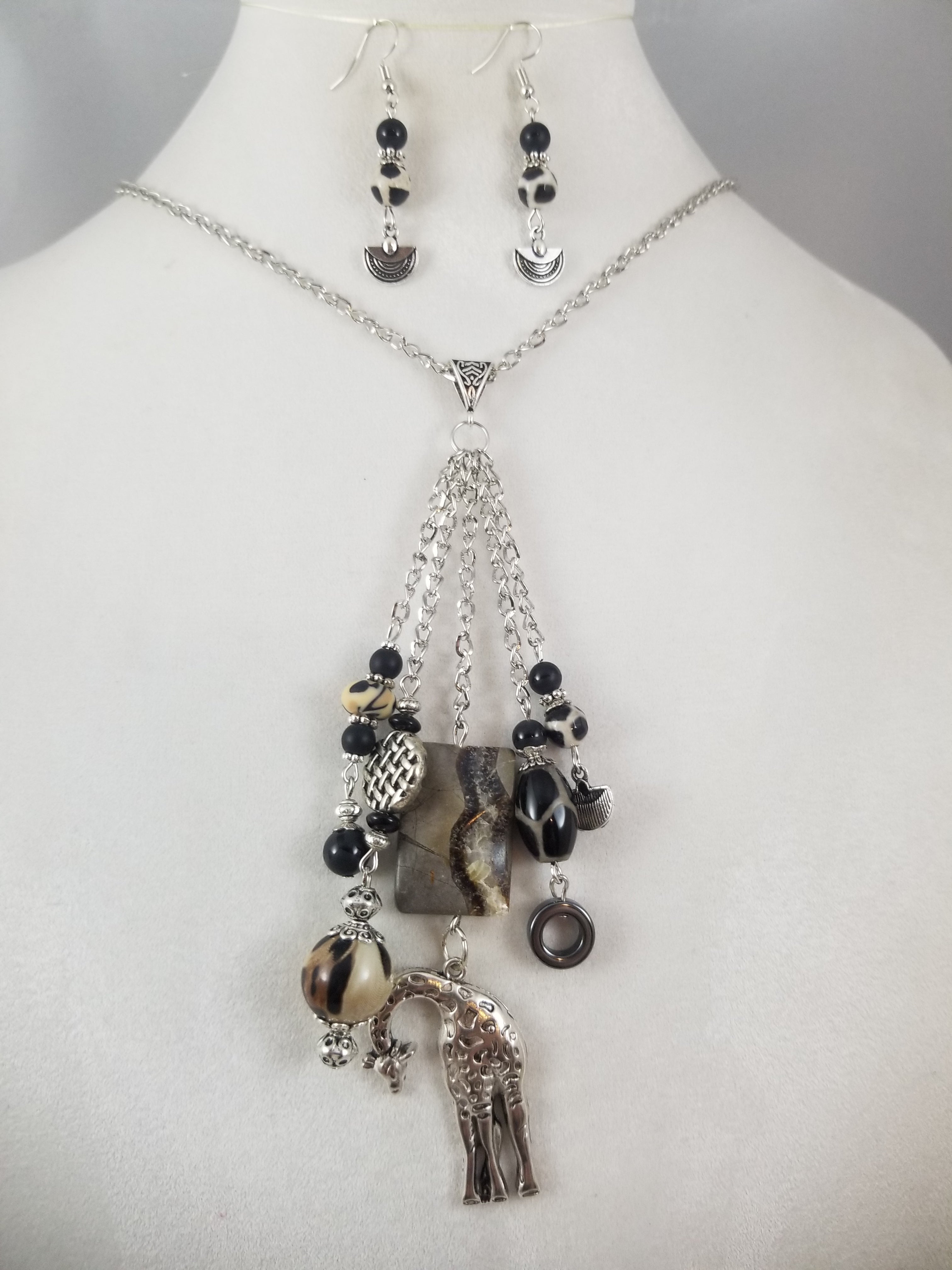 Nessa Necklace with Earrings