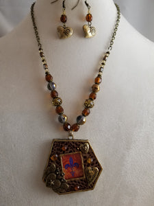 Photo Frame Necklace with Earrings