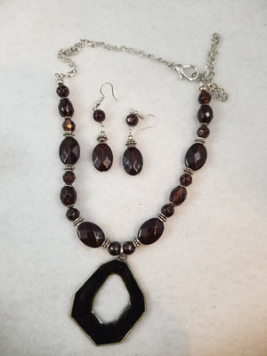 Root Beer Necklace with Earrings