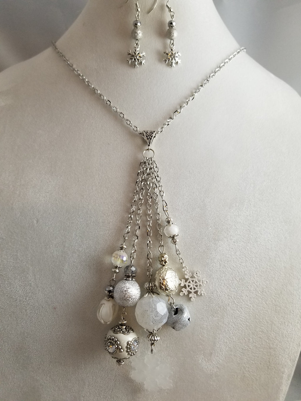 Snowflake Necklace with Earrings
