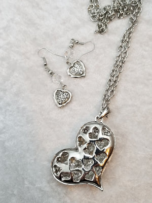 Sparkly Heart Necklace with Earrings