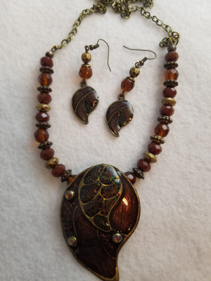 Umber Leaf Necklace with Earrings