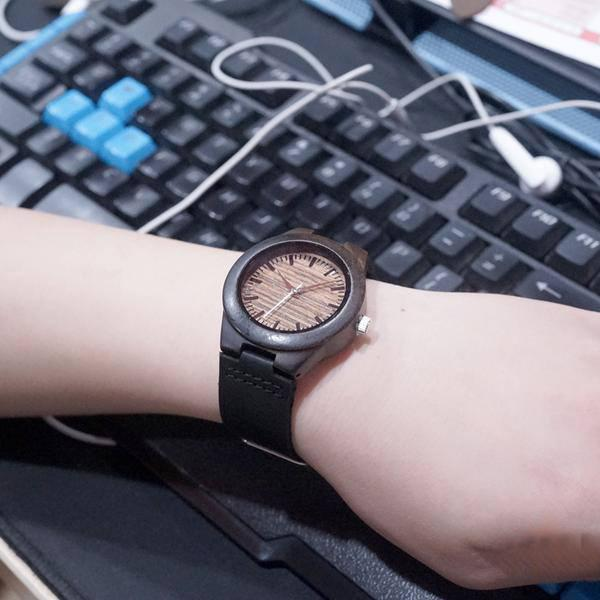 products/authentic-bamboo-wooden-watch-for-women-5.jpg