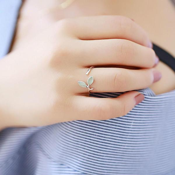 products/green-opal-leaf-silver-ring-cleansing-3.jpg