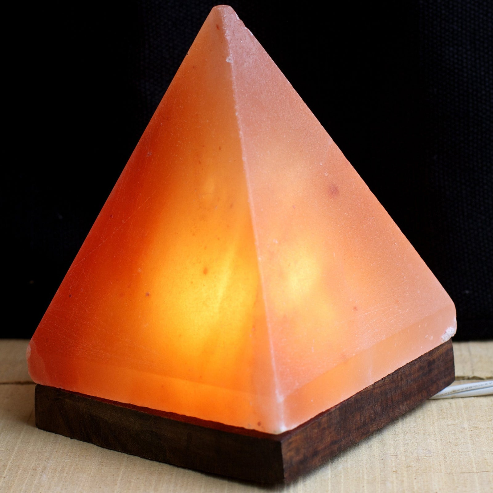 products/pyramid-salt-lamp-1.jpeg