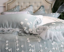 Load image into Gallery viewer, Floret Bedding Set II