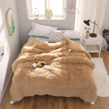 Load image into Gallery viewer, Fluffy Quilt Comforter - Camel