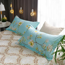 Load image into Gallery viewer, Poppy Bedding Set - 4 pieces