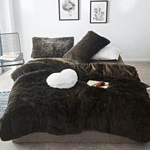 Load image into Gallery viewer, Fluffy Velvet Fleece Quilt Cover Bed Set (4/6/7 pcs) - Dark Green