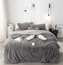 Load image into Gallery viewer, Bunny Winter Thick Bedding Set