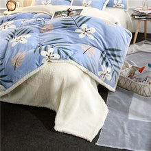 Load image into Gallery viewer, Flannel Velvet Faux Lambswool Bedding Set - Blue Garden